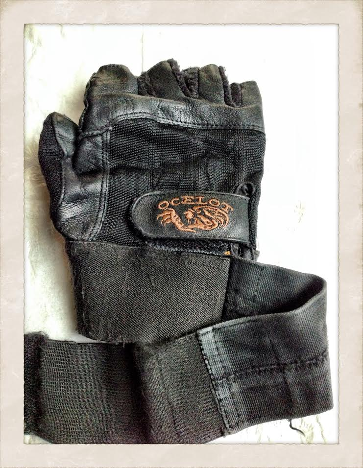 These gloves aren't holding up for heavier weights.  I've had them for at least 15 years.  Lol!